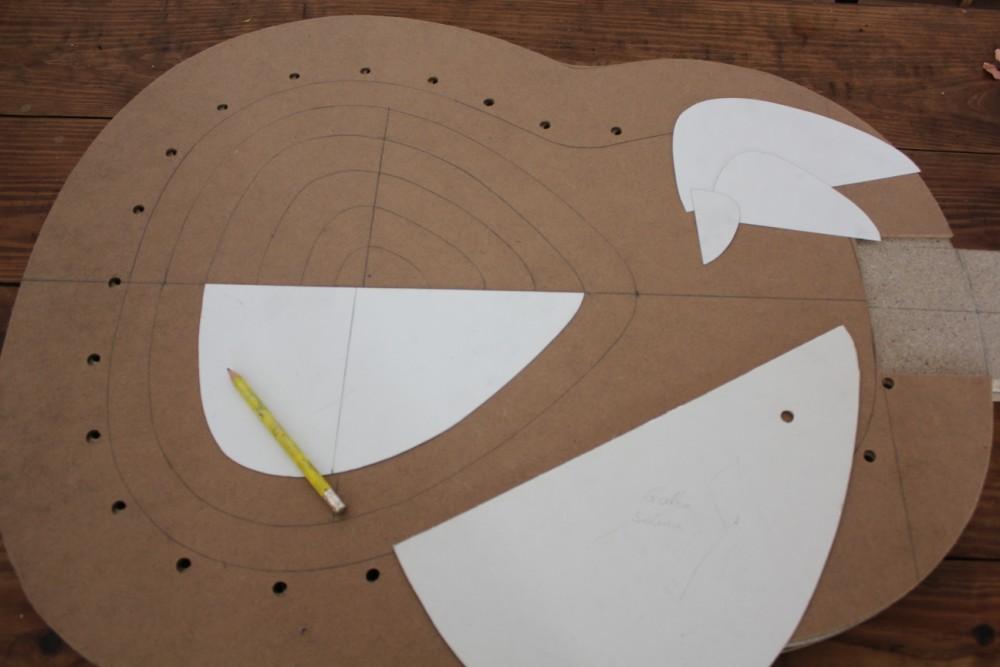 Tracé du creux permettant le galbe de la table d'harmonie