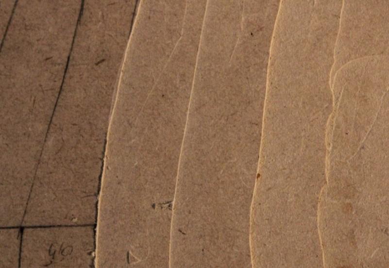 Courbes de niveau réalisées avec une défonceuse sur deux rails