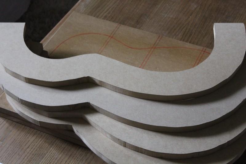 Les autres parties du moules détourées grossièrement à la scie à ruban
