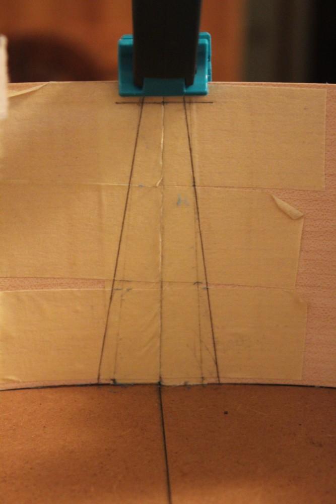 tracé de la découpe pour l'encastrement dans le manche