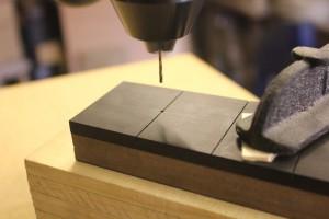 Percement de la touche au niveau de la première frette avec un foret de 1.5mm