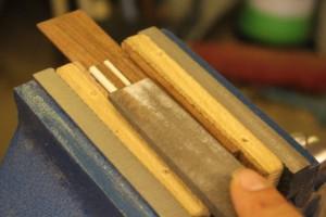 arasement des incrustations avec le dessus du cordier