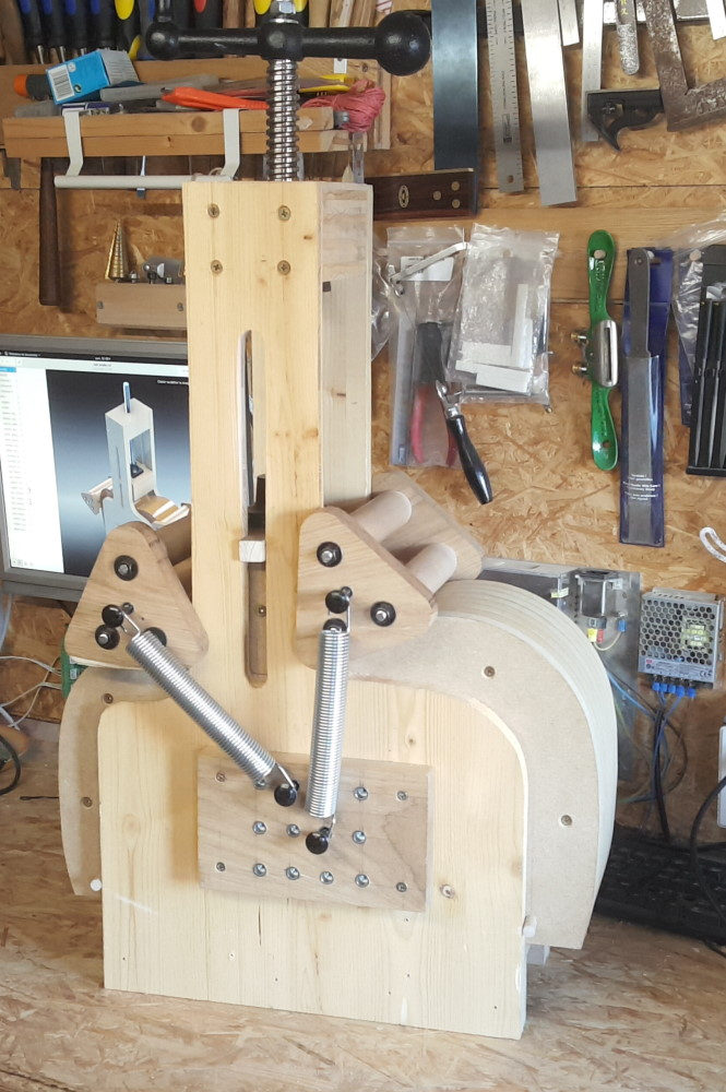 cintreuse d'éclisse (guitar side bending machine jig)
